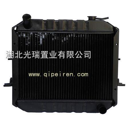 水箱发动机散热器图 水箱散热器 拖拉机水箱散热器图片