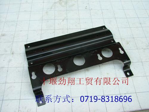 牵引车 尾灯 支架总成8515011 z6700 高清图片