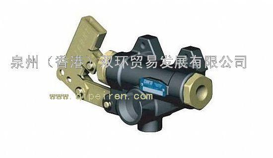 意大利OMFB是柱塞泵、取力器、齿轮泵、举升阀等液压产品的制造商,公司产品被销售到全世界200多个国家,为奔驰(BENZ)、沃尔沃(VOLVO)、斯堪尼亚(SCANIA)、雷诺(RENAULT)、曼(MAN)等著名卡车公司提供优秀的液压产品。 意大利OMFB产品主要应用于:工程机械、农林机械、石油矿采机械、机场作业车辆、建筑工程车辆、市政环卫车辆、消防车辆、矿探钻井车辆、物料转运车辆、市政和环卫车辆、路面养护车辆、铁路工程车辆、机场地勤车辆。