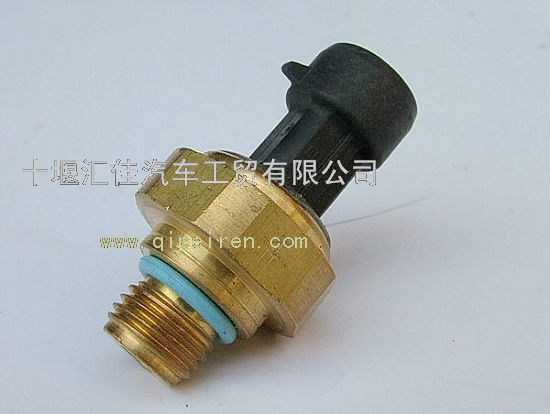 东风天龙曲轴位置传感器4921497