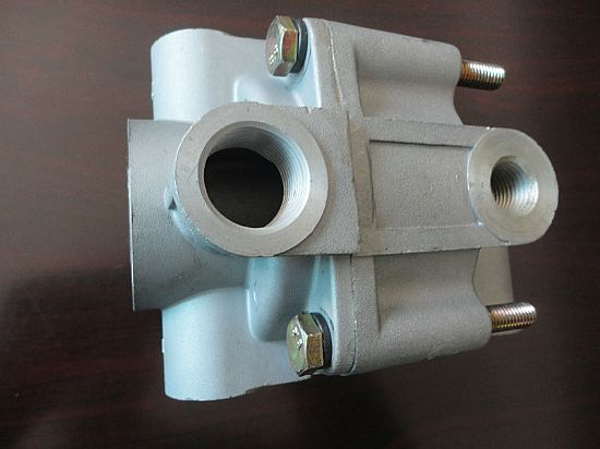 3527z27-001 东风原厂继动阀总成 relay valve used on dongfeng图片