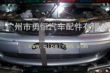 欧宝威达汽车配件及拆车前嘴,拆车叶子板,座椅,车门等 欧宝威达汽高清图片