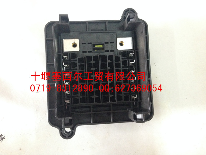 【东风天锦汽车电器保险丝盒(熔断丝盒)3722010-c110