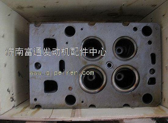重汽国三发动机气缸盖总成图片