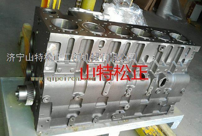 液压件:主泵,主控阀图片